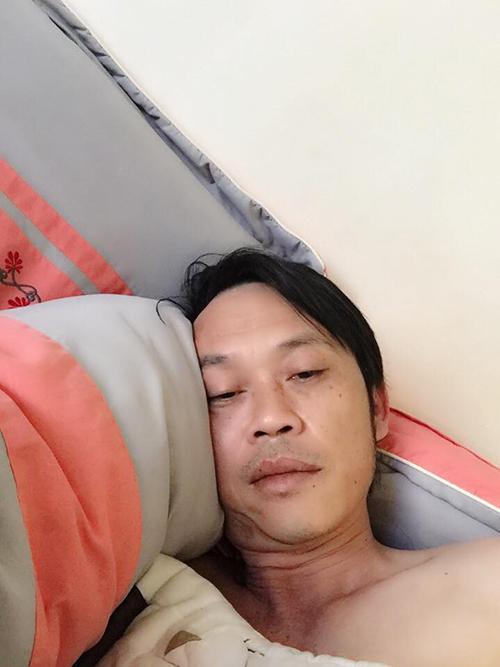 Danh hài Hoài Linh than thở vì cả đêm không ngủ được.