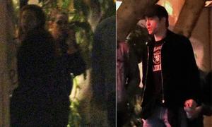 Kristen Stewart và Robert Pattinson gặp lại nhau trong bữa tiệc