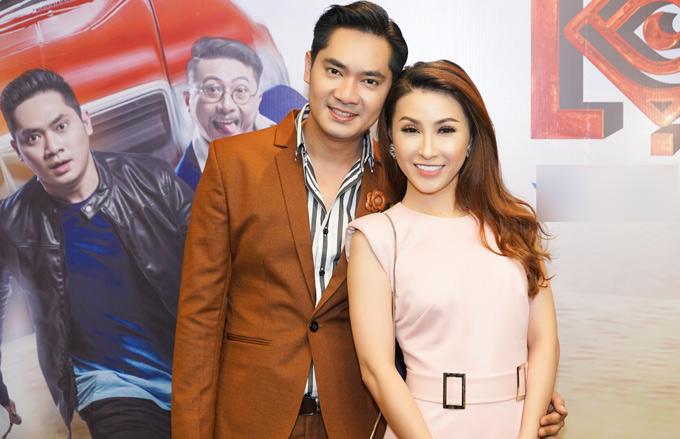 Minh Luân tình tứ sánh đôi bạn diễn Vĩnh Thuyên Kim trong sự kiện tại TP HCM. Cả hai vừa có lần đầu đóng cặp trên màn ảnh rộng.