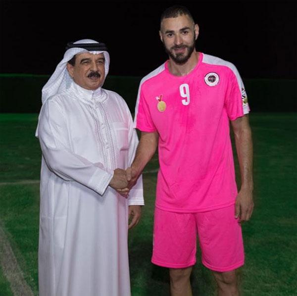 Benzema vừa có chuyến đi đến Kuwait. Ảnh: NS.