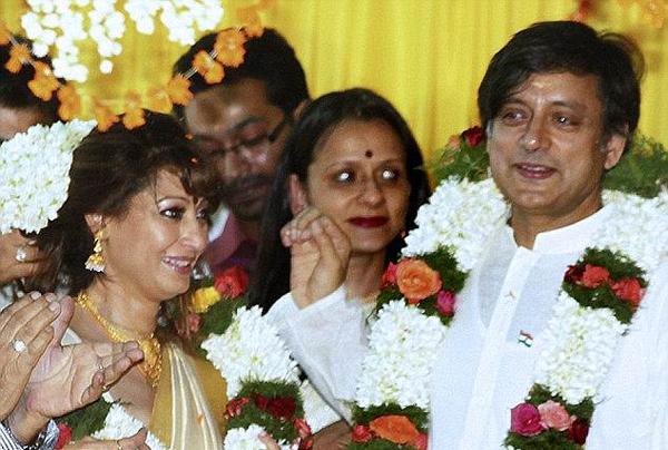 Chính trị gia Ấn Độ đối diện án tù 10 năm vì giúp vợ tự tử - 1