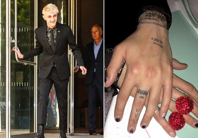 Kendall đăng ảnh đôi bàn tay của Anwar Hadid trong đêm trao giải.