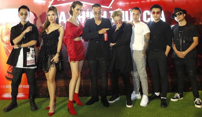 Ca sĩ Trang Pháp, Hoàng Touliver, MLee... cùng nhiều nghệ sĩ trẻ chụp ảnh tại sự kiện ở TP HCM.