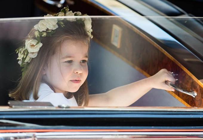 10 quy tắc hoàng gia nghiêm ngặt Công chúa Charlotte phải tuân thủ - 7