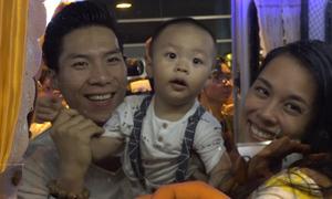 Gia đình ra sân bay đón Quốc Cơ - Quốc Nghiệp trở về
