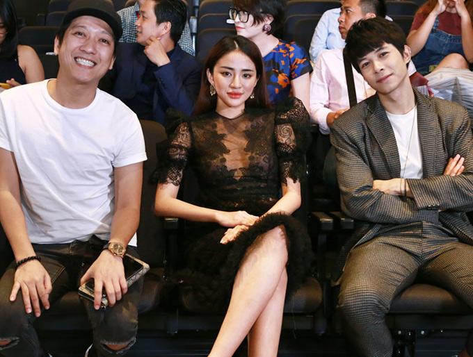 Diễn viên Anh Tú vui vẻ hội ngộ bạn diễn xinh đẹp trong phim Gia đình là số 1 phiên bản Việt. Chương trình Thiên đường ẩm thực phát sóng vào 20h30 thứ sáu hàng tuần trên Đài truyền hình TP HCM, bắt đầu từ ngày 15/6.