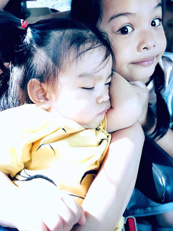 Hai con gái của Phạm Quỳnh Anh và ông xã Quang Huy.