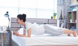 5 động tác toàn thân cho nàng lười biếng tập ngay trên giường