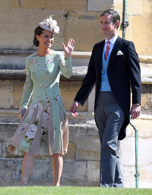 Pippa Middleton và chồng James Matthews xuất hiện ở đám cưới Hoàng tử Harry hôm 19/5. Ảnh: Shutterstock.