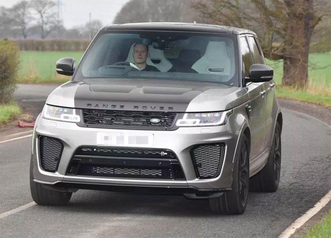 Back in April, Phil Jones showed of his £170k Range Rover SVAutobiography