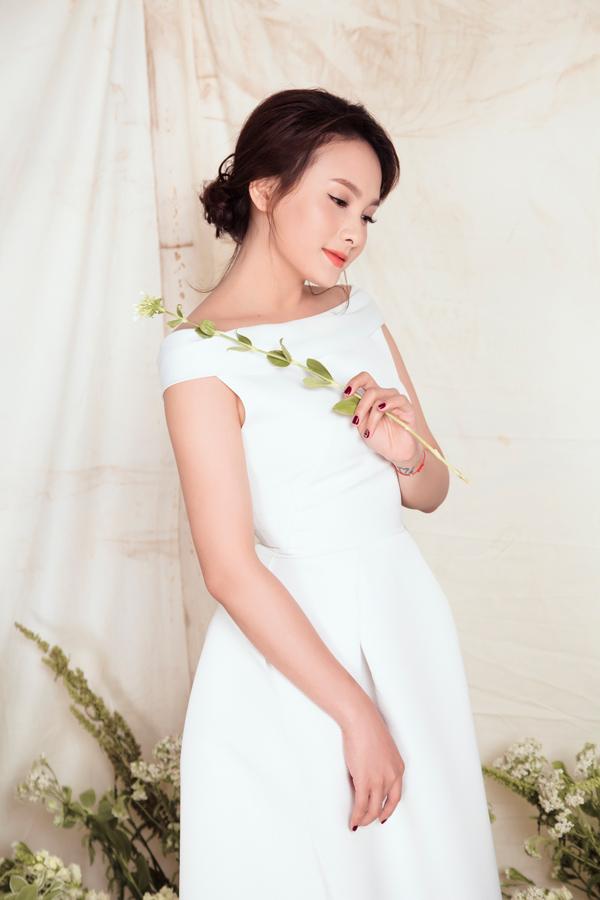 Photo: Tom Nguyễn. Stylist: Tân Đà Lạt. Make-up: Dũng Phan. Làm tóc: Trâm Anh.