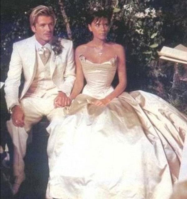 Becks - Vic bán đấu giá quần áo mặc trong đám cưới Hoàng tử Anh - 2