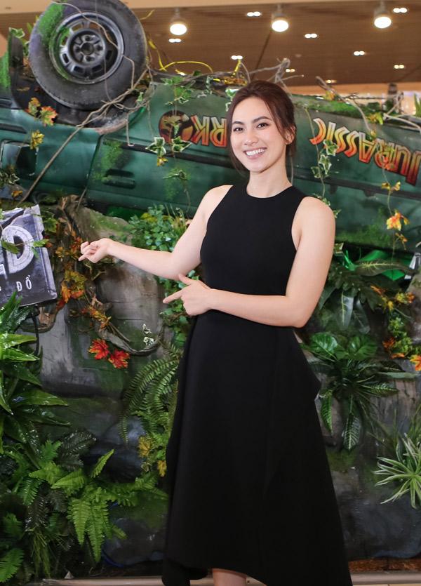 Diễn viên Phương Anh Đào rất hào hứng với bộ phim Thế giới khủng long: Vương quốc sụp đổ.