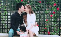 Vợ chồng Diễm Trang hâm nóng tình cảm ở Pháp