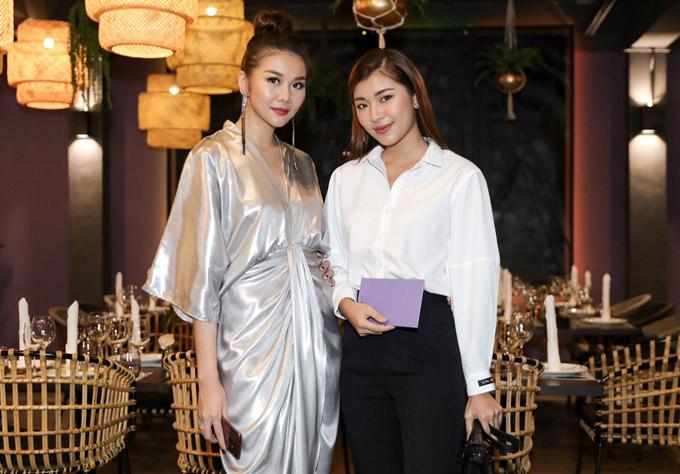 Chân dài Đồng Ánh Quỳnh đến chung vui với đàn chị.