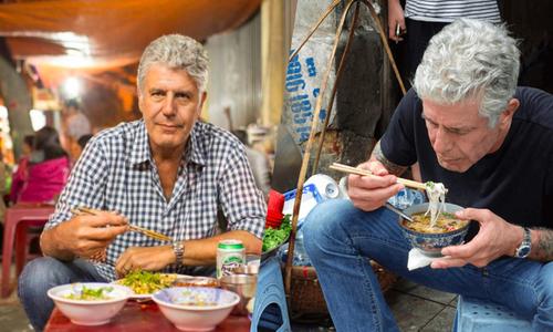 Đầu bếp Anthony Bourdain 'nặng lòng' với ẩm thực Việt