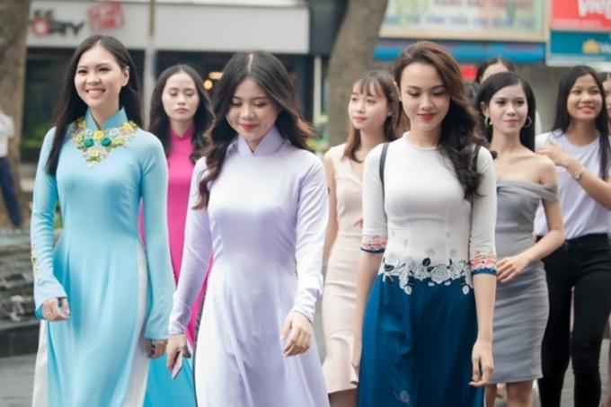 Đỗ Mỹ Linh khoe vai trần khi đi chấm Hoa hậu Việt Nam 2018 - 9