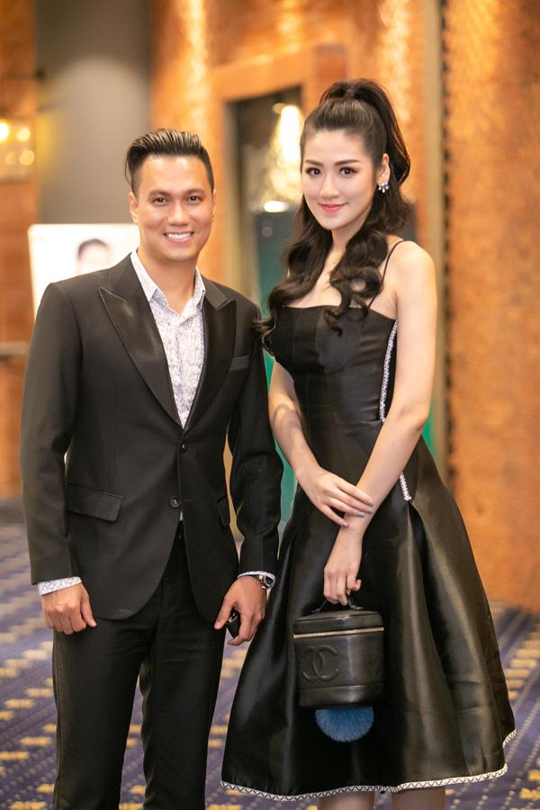 Tú Anh hội ngộ diễn viên Việt Anh tại sự kiện.