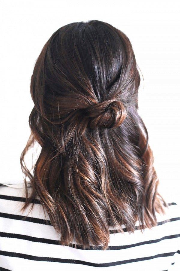 Kiểu 4: Lấy 1/3 tóc phía trên đỉnh đầu, tạo búi tóc nhỏ.