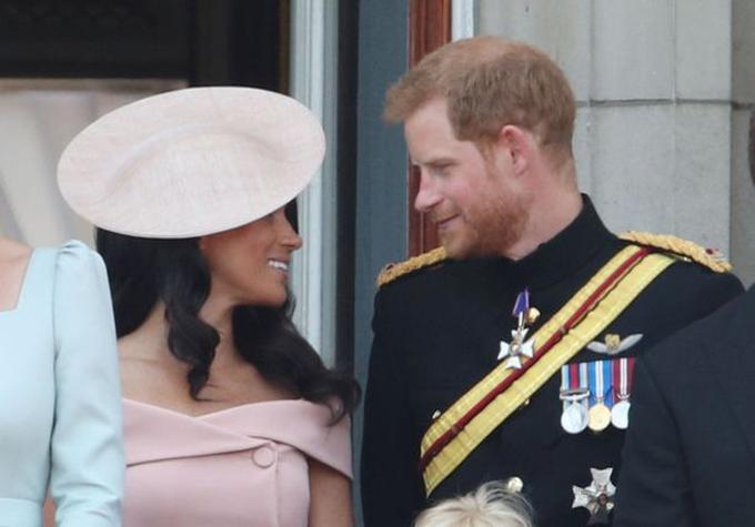 Tuy luôn tươi cười nhưng Meghan vẫn thừa nhận với chồng cô có chút căng thẳng. Ảnh: PA.