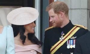 Harry trấn an để Meghan bớt căng thẳng trong sinh nhật Nữ hoàng