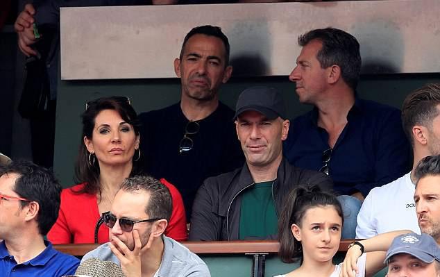 Zidane và Djorkaeff từng là trụ cột hàng tiền vệ của tuyển áo lam.