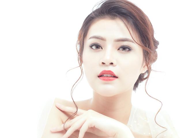 Bộ ảnh được thực hiện với sự hỗ trợ của Art Director: Hoàn Khang,Make up: Tú Arts,Hair: Nguyễn Ánh Phương Linh,Model: Hoàng Mỹ Linh (Hạ Vy Academy) vàPhoto: Dz Studio.
