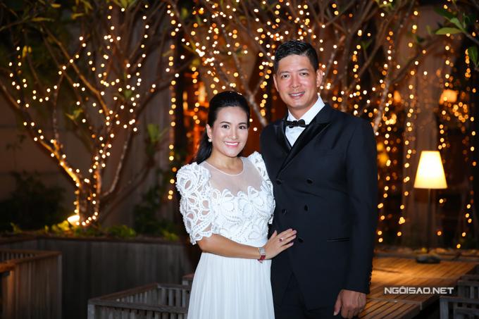 Vợ chồng Bình Minh - Anh Thơ mới kỷ niệm 10 năm ngày cưới.