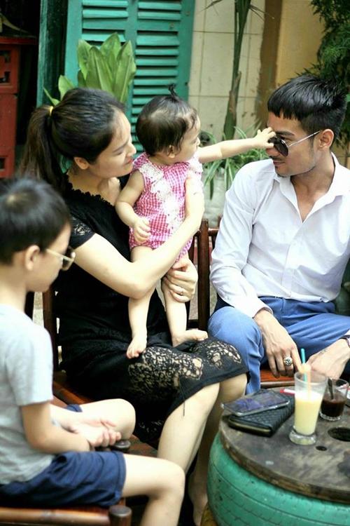 Tổ ấm hạnh phúc của anh Tuấn Anh và chị Phương Thắm.