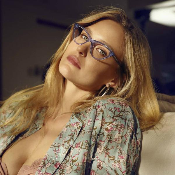 Refaeli đồng sở hữu thương hiệu kính thời trang Carolina Lemke Berlin. Ảnh:Twitter.