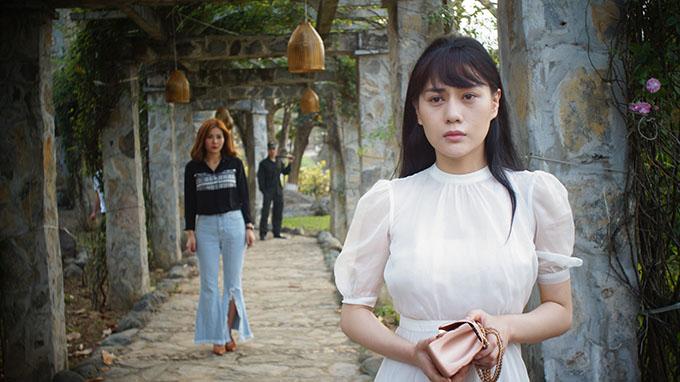 Tạo hình của Phương Oanh trong phim Quỳnh búp bê.