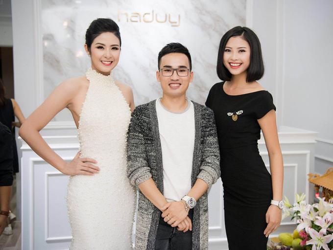 Hà Duy cùng Hoa hậu Ngọc Hân (trái) và người đẹp Đào Hà.
