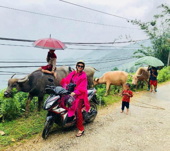 Chuyến du lịch Việt Nam - Thái Lan ngọt ngào của vợ chồng sao MU - 11