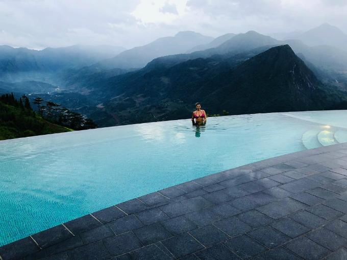 Chuyến du lịch Việt Nam - Thái Lan ngọt ngào của vợ chồng sao MU - 10