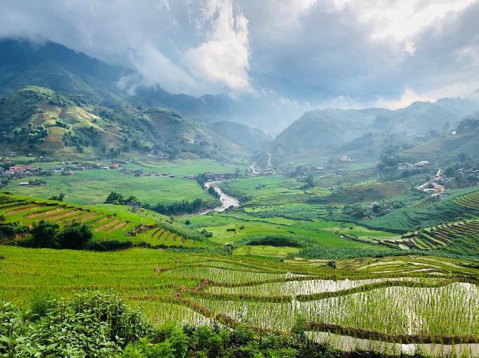 Chuyến du lịch Việt Nam - Thái Lan ngọt ngào của vợ chồng sao MU - 12