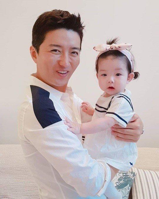 Ông xã diễn viên So Yi Hyun - tài tử In Gyo Jin