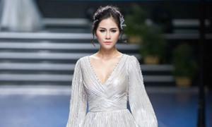 Váy cưới xẻ tà cho mùa hè thu 2018