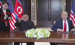 Kim Jong-un bí mật thay bút riêng để ký thỏa thuận với Trump