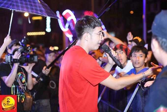 Với hành trình xuyên Việt, Lễ hội Phố hàng nóng mang sức nóng của ẩm thực đường phố và âm nhạc  chinh phục gần 30.000 người, khép lại hành trình thành công trong năm đầu tổ chức.