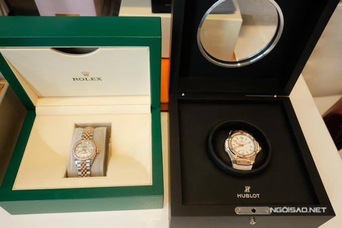 Hai chiếc đồng hồ trong bộ sưu tập hàng hiệu của Jolie Nguyễn.