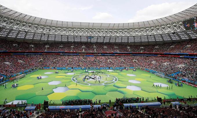 Lễ khai mạc diễn ra 30 phút trước khi trận đấu giữa chủ Nga và Ảrập Xêút bắt đầu.
