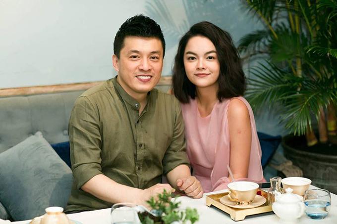 Phạm Quỳnh Anh hội ngộ cùng Lam Trường và chia sẻ: Vô tình gặp thanh xuân của mình trong quán cafe.
