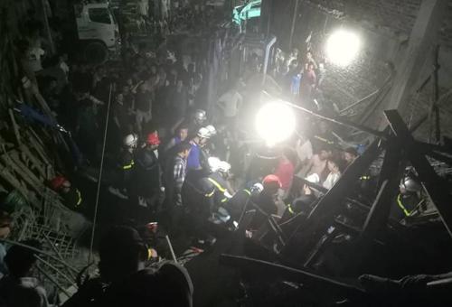 Sự cố khiến bốn người bị vùi lấp. Ảnh:Nam Nguyễn.