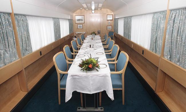 Bên trong đoàn tàu sang trọng của Nữ hoàng Anh - 1
