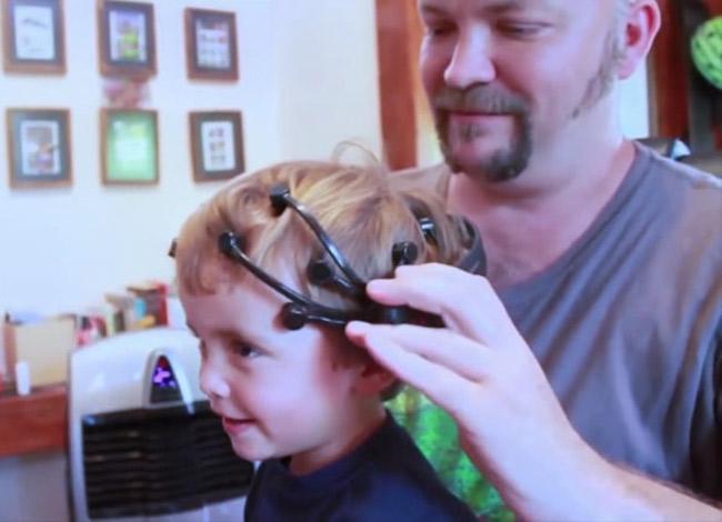 Thiết bị đeo đầu của Emotiv giúp phát huy khả năng tư duy của trẻ. Ảnh: Emotiv.