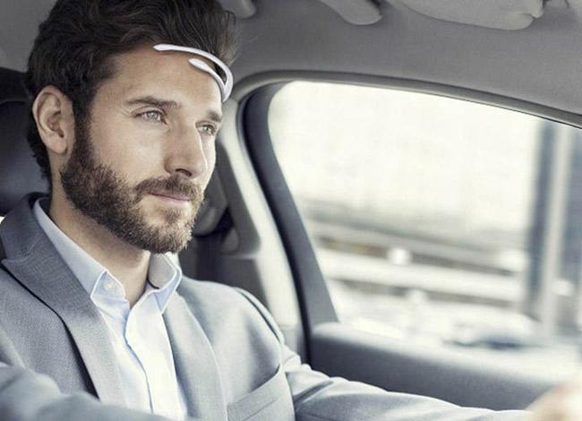 Các thiết bị đeo đầu của Emotiv đều nhỏ gọn, dễ dàng sử dụng. Ảnh: Emotiv.