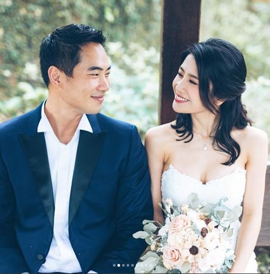 5 năm sau scandal sex trong toilet, mỹ nhân TVB khoác váy cưới - 1