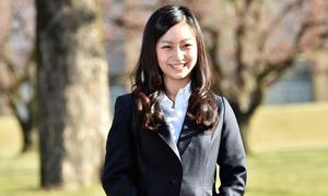 Công chúa xinh đẹp nhất Nhật Bản hoàn thành khóa học ở Anh