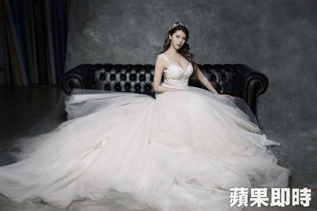 Siêu mẫu Đài Loan khoe ảnh cưới với tỷ phú - 5