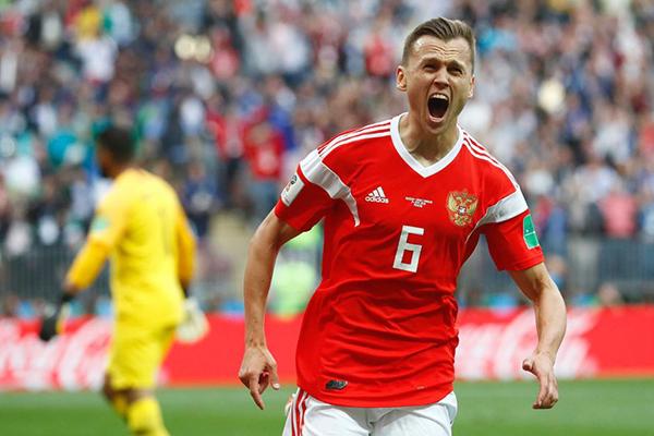 Denis Cheryshev thi đấu bùng nổ sau khi được vào sân thay người ở trận gặp Ảrập Xêút. Ảnh: ABC.